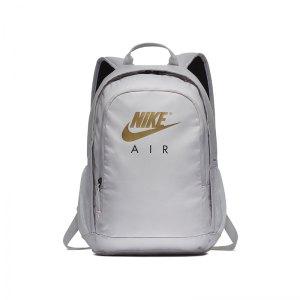 nike-air-hayward-backpack-rucksack-grau-f092-ba5868-lifestyle-taschen.jpg