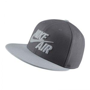 nike-air-true-snapback-cap-muetze-schild-lifestyle-freizeit-alltag-modisch-f021-grau-weiss-805063.jpg