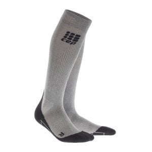 cep-metalized-socks-socken-running-damen-silber-laufen-joggen-laufsocken-struempfe-training-frauen-women-wp4449.jpg