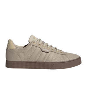 adidas-daily-3-0-beige-fw7048-lifestyle_right_out.png