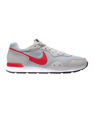 nike-venture-runner-grau-rot-f008-ck2944-lifestyle_right_out.png