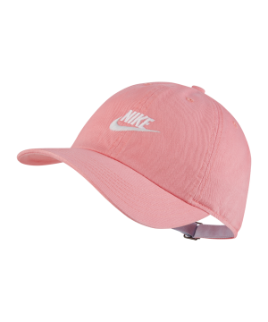 nike-heritage-86-kappe-pink-weiss-f842-aj3651-lifestyle.png