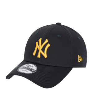 new-era-ny-yankees-essential-9forty-cap-fnvyagd-60137680-lifestyle_front.png