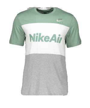 nike-air-tee-t-shirt-silber-weiss-f352-cv2210-lifestyle.png